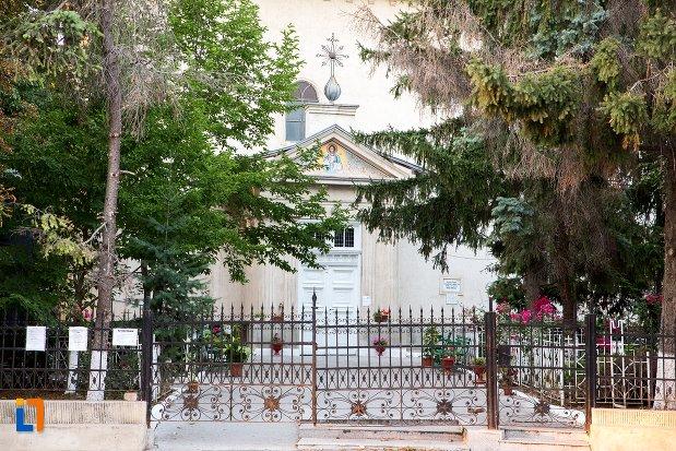 imagine-cu-biserica-uspenia-din-botosani-judetul-botosani.jpg