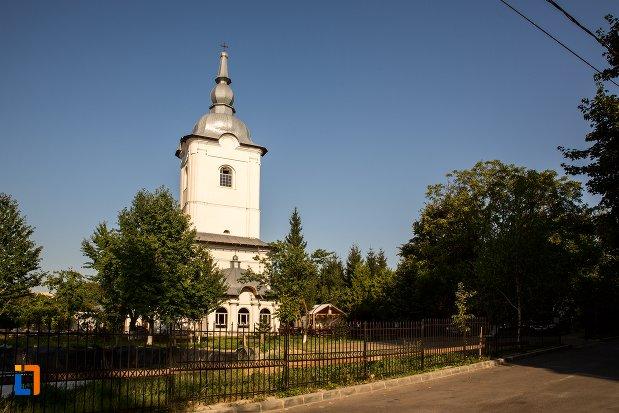 imagine-cu-biserica-vovidenia-din-botosani-judetul-botosani.jpg