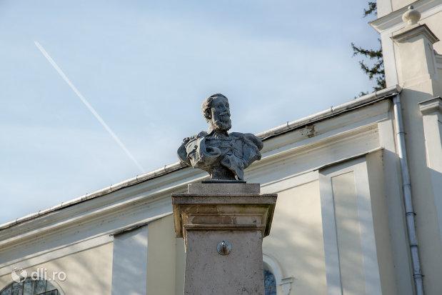 imagine-cu-bustul-lui-kossuth-lajos-din-diosig-judetul-bihor.jpg