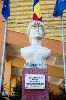 imagine-cu-bustul-lui-maria-dediliuc-din-flamanzi-judetul-botosani.jpg