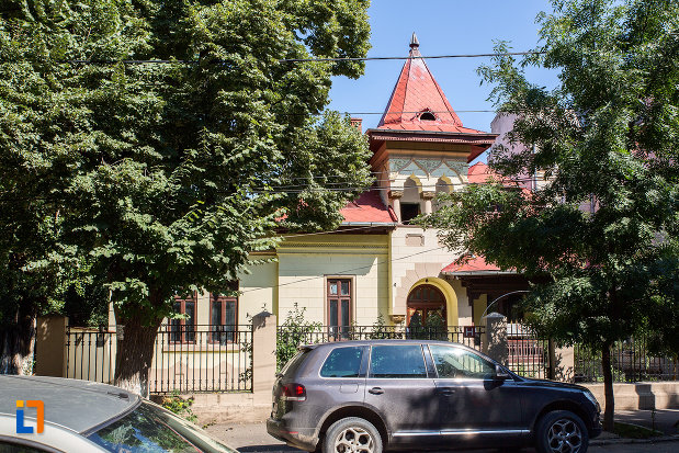 imagine-cu-casa-barbulescu-din-oltenita-judetul-calarasi.jpg