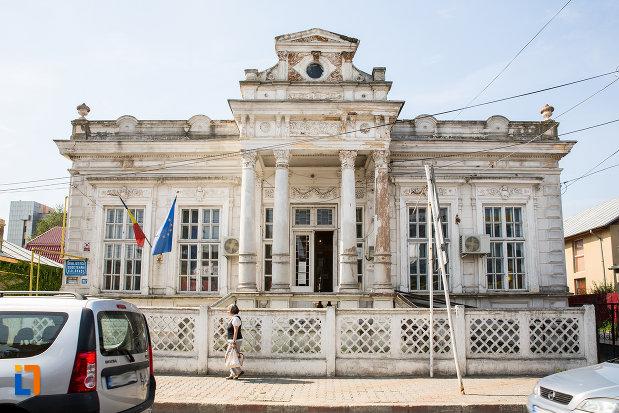 imagine-cu-casa-demetriad-azi-biblioteca-judeteana-din-calarasi-1888-judetul-calarasi.jpg