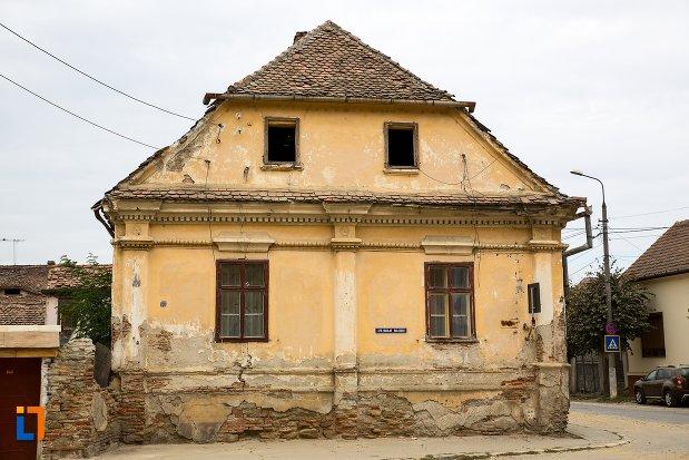 imagine-cu-casa-din-str-nicolae-balcescu-nr-53-din-fagaras-judetul-brasov.jpg