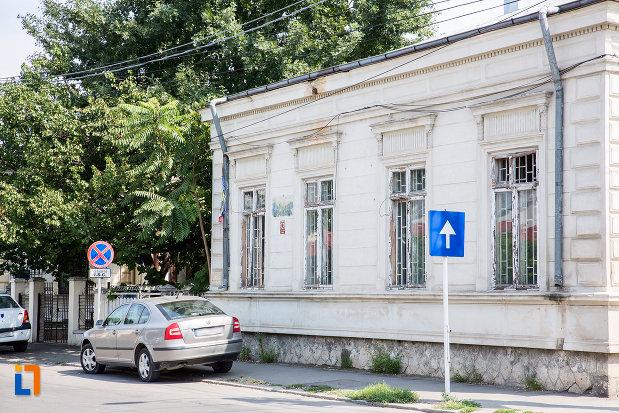 imagine-cu-casa-fosta-administratie-financiara-municipala-din-calarasi-judetul-calarasi.jpg