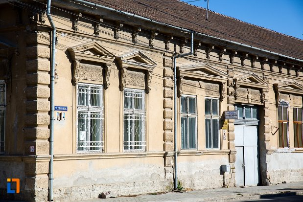 imagine-cu-casa-monument-istoric-din-alba-iulia-judetul-alba.jpg