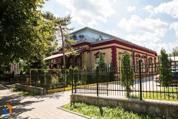 imagine-cu-casa-monument-istoric-din-dorohoi-judetul-botosani.jpg