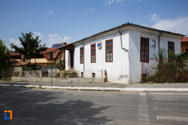 imagine-cu-casa-panaghia-expozitia-de-arta-orientala-din-babadag-judetul-tulcea.jpg