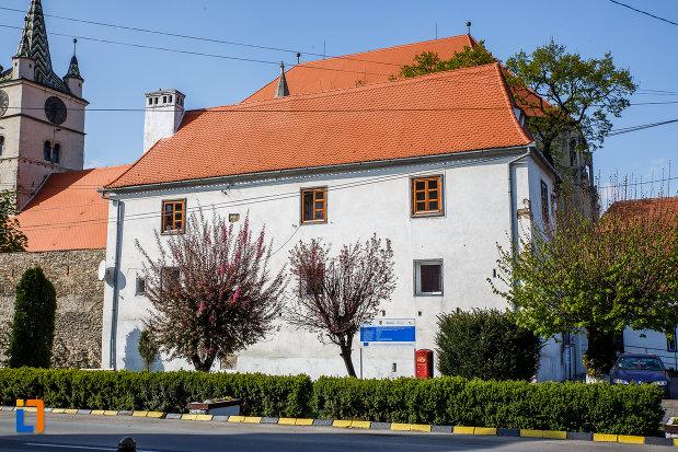 imagine-cu-casa-parohiala-evanghelica-vechea-capela-sf-iacob-din-sebes-judetul-alba.jpg