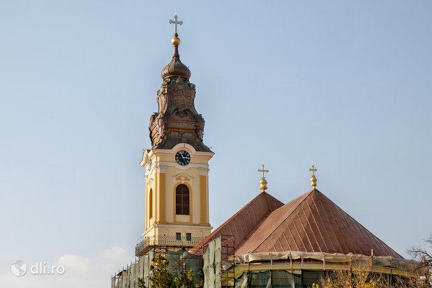 imagine-cu-catedrala-greco-catolica-sf-nicolae-din-oradea-judetul-bihor.jpg