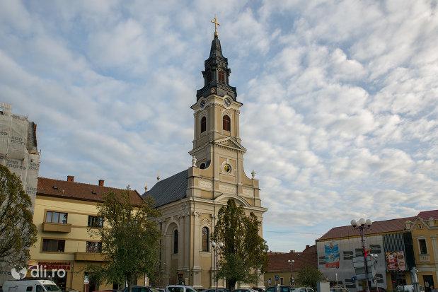 imagine-cu-catedrala-ortodoxa-adormirea-maicii-domnului-biserica-cu-luna-din-oradea-judetul-bihor.jpg