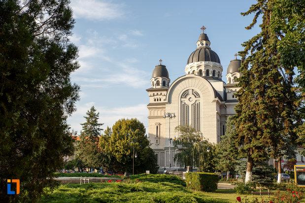 imagine-cu-catedrala-ortodoxa-inaltarea-domnului-din-targu-mures-judetul-mures.jpg