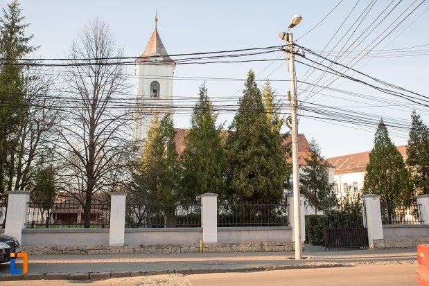 imagine-cu-cimitirul-bisericii-grecesti-bunavestire-din-alba-iulia-judetul-alba.jpg