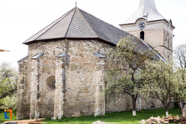imagine-cu-coloane-de-la-biserica-reformata-din-teius-judetul-alba.jpg