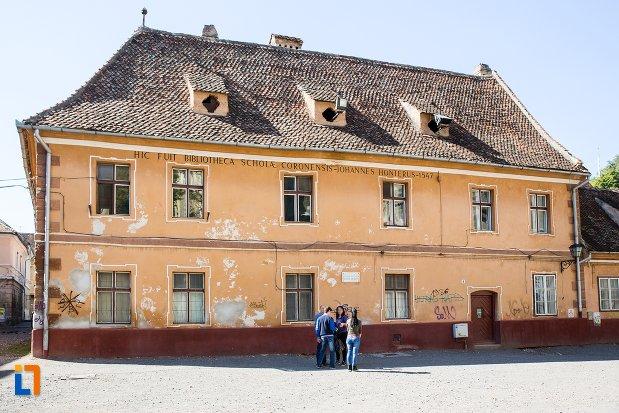 imagine-cu-fosta-casa-a-rectoratului-azi-locuinta-din-brasov-judetul-brasov-2.jpg