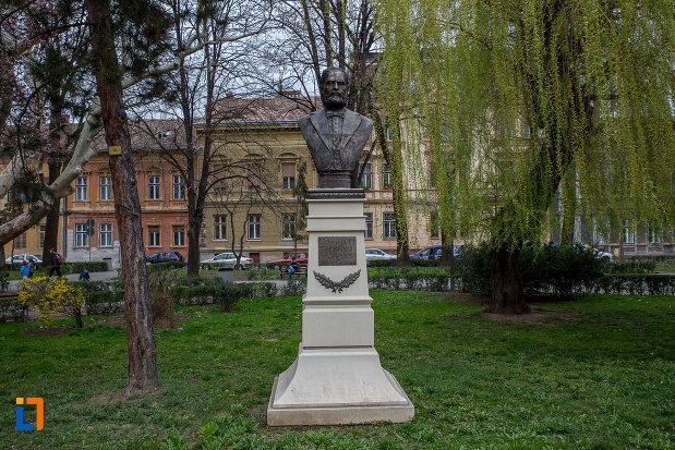 imagine-cu-grupul-statuar-din-parcul-astra-din-sibiu-judetul-sibiu-una-dintre-operele-de-arta.jpg