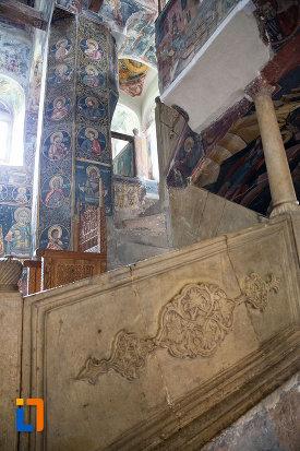 imagine-cu-interiorul-de-la-biserica-domneasca-adormirea-maicii-domnului-din-targoviste-judetul-dambovita.jpg