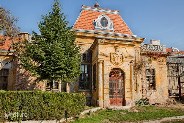 imagine-cu-intrarea-in-castelul-stubenberg-din-sacueni-judetul-bihor.jpg