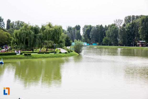 imagine-cu-lacul-chindia-din-targoviste-judetul-dambovita.jpg