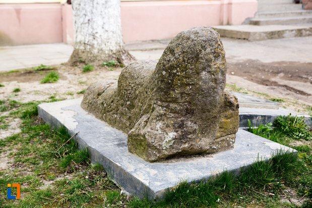 imagine-cu-leii-funerari-din-ocna-mures-judetul-alba.jpg