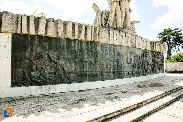 imagine-cu-monumentul-comemorativ-al-razboiului-de-independenta-din-calafat-judetul-dolj.jpg