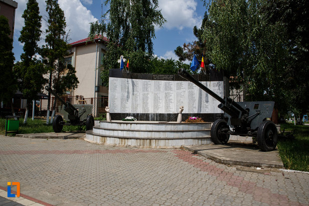 imagine-cu-monumentul-eroilor-din-gataia-judetul-timis.jpg