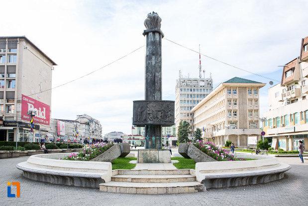 imagine-cu-monumentul-eroilor-din-targoviste-judetul-dambovita.jpg