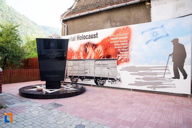 imagine-cu-monumentul-holocaustului-din-brasov-judetul-brasov.jpg