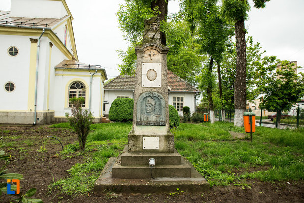 imagine-cu-monumentul-locotenentului-gogu-bechererescu-din-bailesti-judetul-dolj.jpg