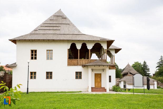 imagine-cu-muzeul-tiparului-si-al-cartii-romanesti-vechi-din-targoviste-judetul-dambovita.jpg
