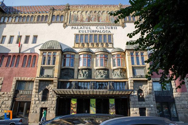 imagine-cu-palatul-culturii-filarmonica-biblioteca-si-muzeul-de-arta-din-targu-mures-judetul-mures.jpg