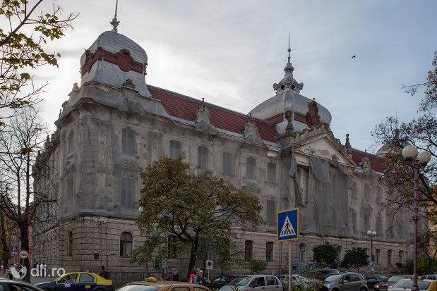 imagine-cu-palatul-finantelor-din-oradea-judetul-bihor.jpg