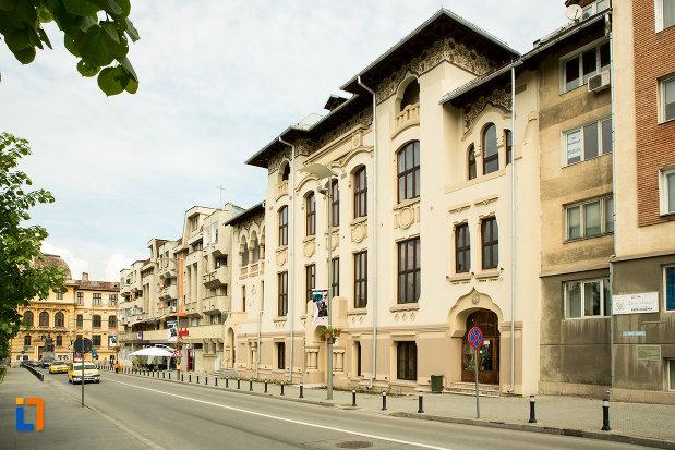 imagine-cu-palatul-ramiri-din-craiova-judetul-dolj.jpg