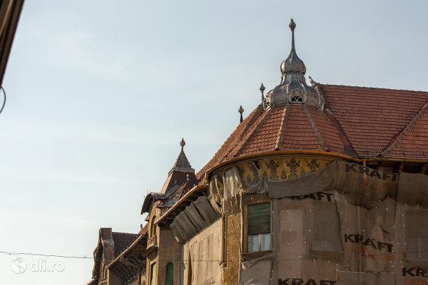imagine-cu-palatul-stern-din-oradea-judetul-bihor.jpg