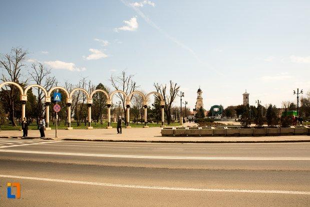 imagine-cu-parcul-unirii-din-alba-iulia-judetul-alba.jpg