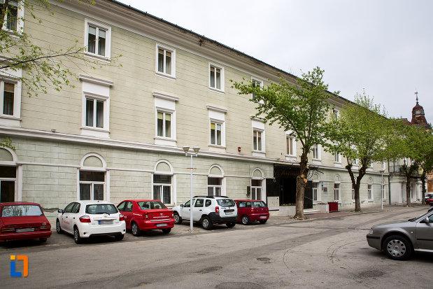 imagine-cu-pavilionul-7-hotel-ferdinand-din-baile-herculane-judetul-caras-severin.jpg