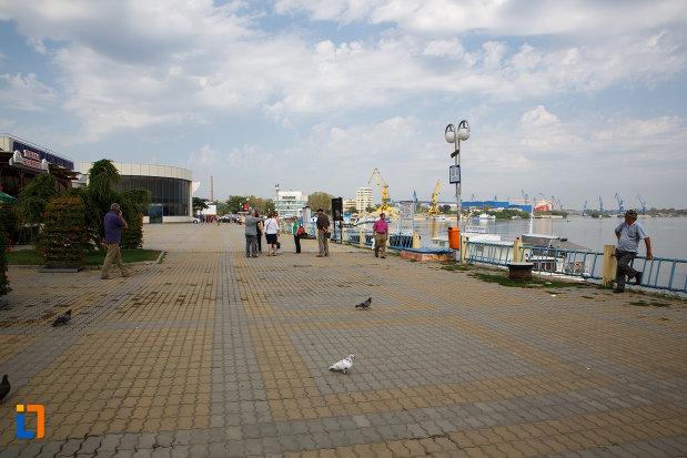 imagine-cu-portul-din-orasul-tulcea-judetul-tulcea.jpg