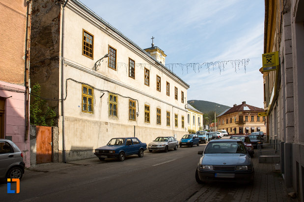 imagine-cu-scoala-militara-azi-casa-parohiala-romano-catolica-1741-din-oravita-judetul-caras-severin.jpg