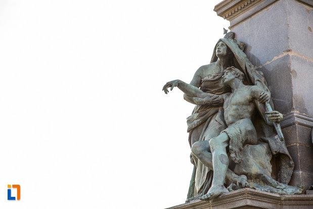 imagine-cu-statui-de-la-monumentul-libertatii-din-arad-judetul-arad.jpg