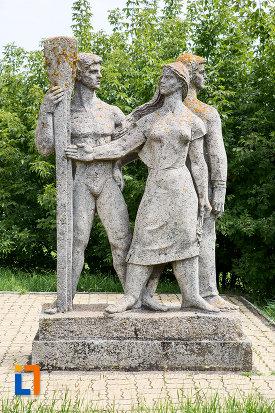 imagine-cu-statui-grupul-statuar-din-eforie-nord-judetul-constanta.jpg