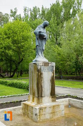 imagine-cu-statuia-isvorul-susurului-din-caracal-judetul-olt.jpg