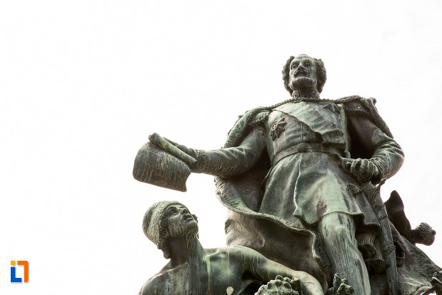 imagine-cu-statuia-lui-stirbei-voda-din-craiova-judetul-dolj.jpg