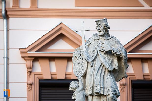 imagine-cu-statuia-sfantului-ioan-nepomuc-din-arad-judetul-arad.jpg