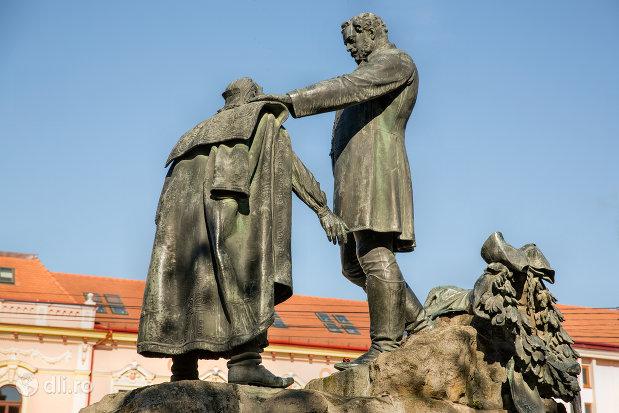 imagine-cu-statuia-wesselenyi-din-zalau-judetul-salaj-vazuta-dintr-o-parte.jpg