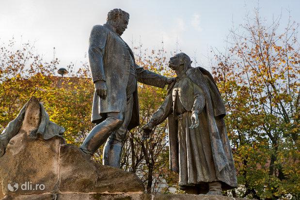 imagine-cu-statuia-wesselenyi-din-zalau-judetul-salaj.jpg