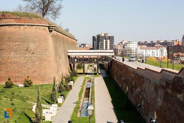 imagine-cu-traseul-celor-trei-fortificatii-din-alba-iulia-judetul-alba.jpg