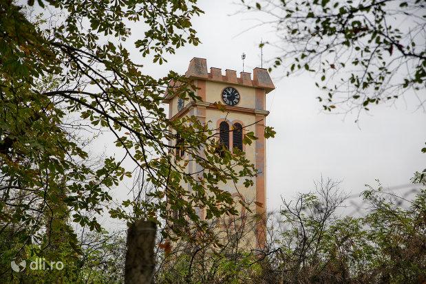 imagine-cu-turn-de-clopotnita-turnul-bisericii-reformate-din-episcopia-oradea-judetul-bihor.jpg