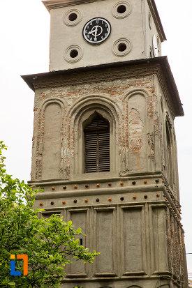 imagine-cu-turnul-de-clopotnita-de-la-biserica-sf-ilie-din-campulung-muscel-judetul-arges.jpg
