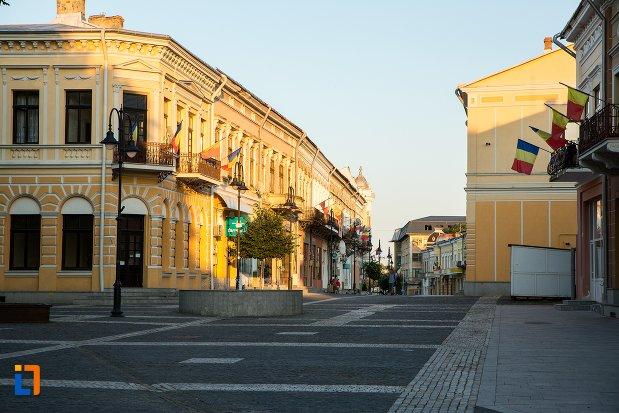 imagine-cu-vechiul-centru-comercial-din-botosani-judetul-botosani.jpg