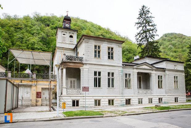 Vila Elisabeta din Baile Herculane : Obiective turistice Caraş-Severin - Deștepți.ro