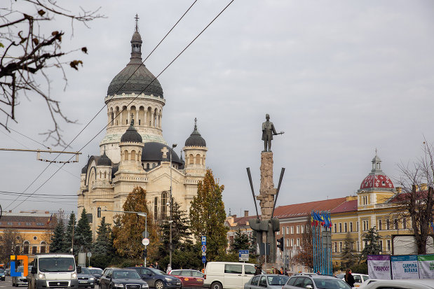 imagine-de-ansamblu-cu-catedrala-ortodoxa-a-vadului-feleacului-si-clujului-din-cluj-napoca-judetul-cluj.jpg